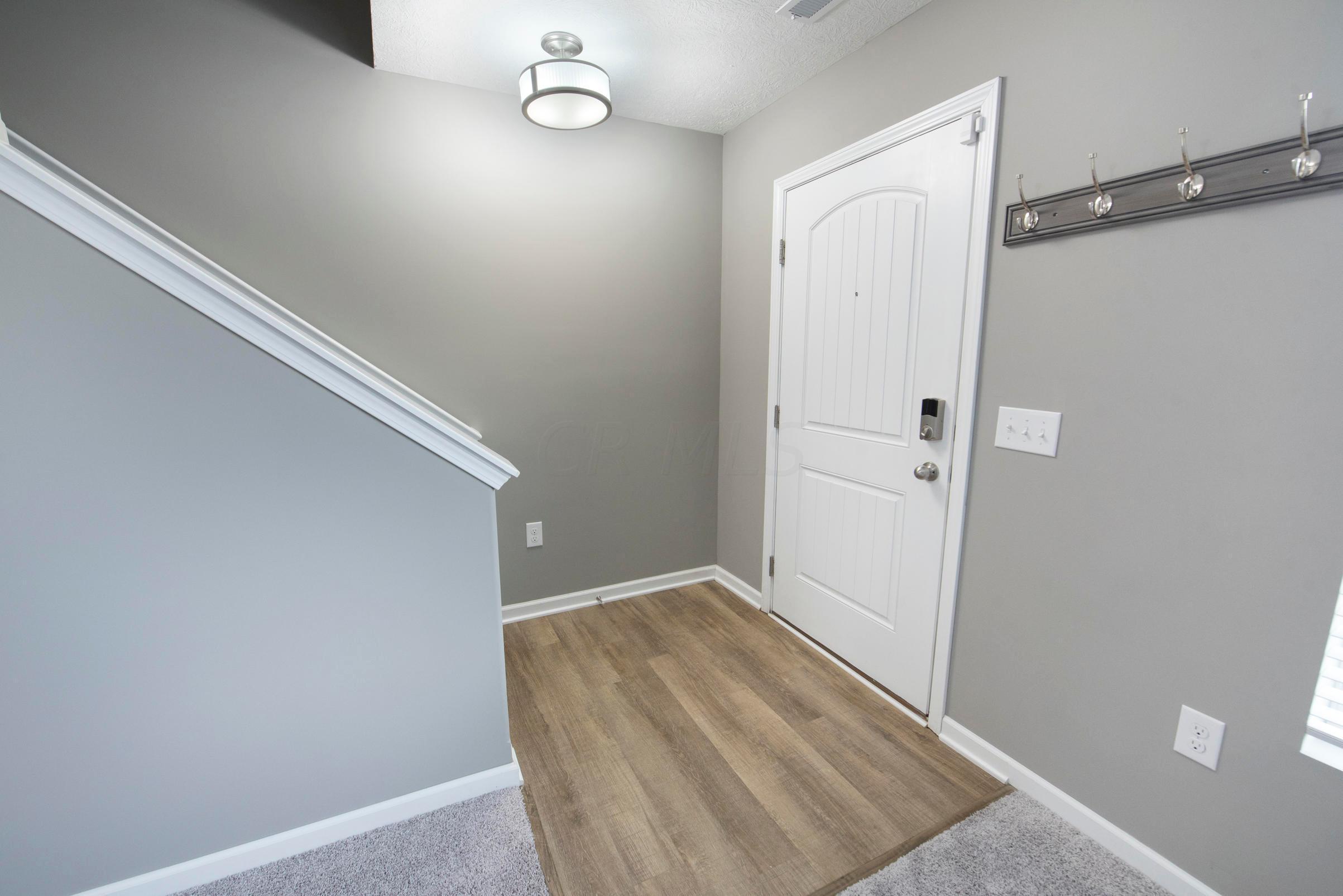 5804 Hayden Run Boulevard, Dublin, Ohio 43016, 2 Bedrooms Bedrooms, ,3 BathroomsBathrooms,Residential,For Sale,Hayden Run,220041130