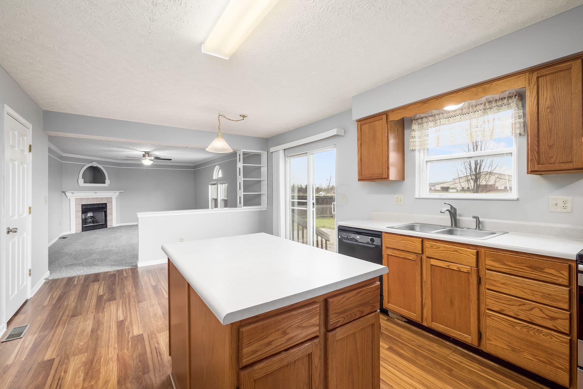 135 Knights Bridge Drive, Pickerington, Ohio 43147, 4 Bedrooms Bedrooms, ,3 BathroomsBathrooms,Residential,For Sale,Knights Bridge,220041140