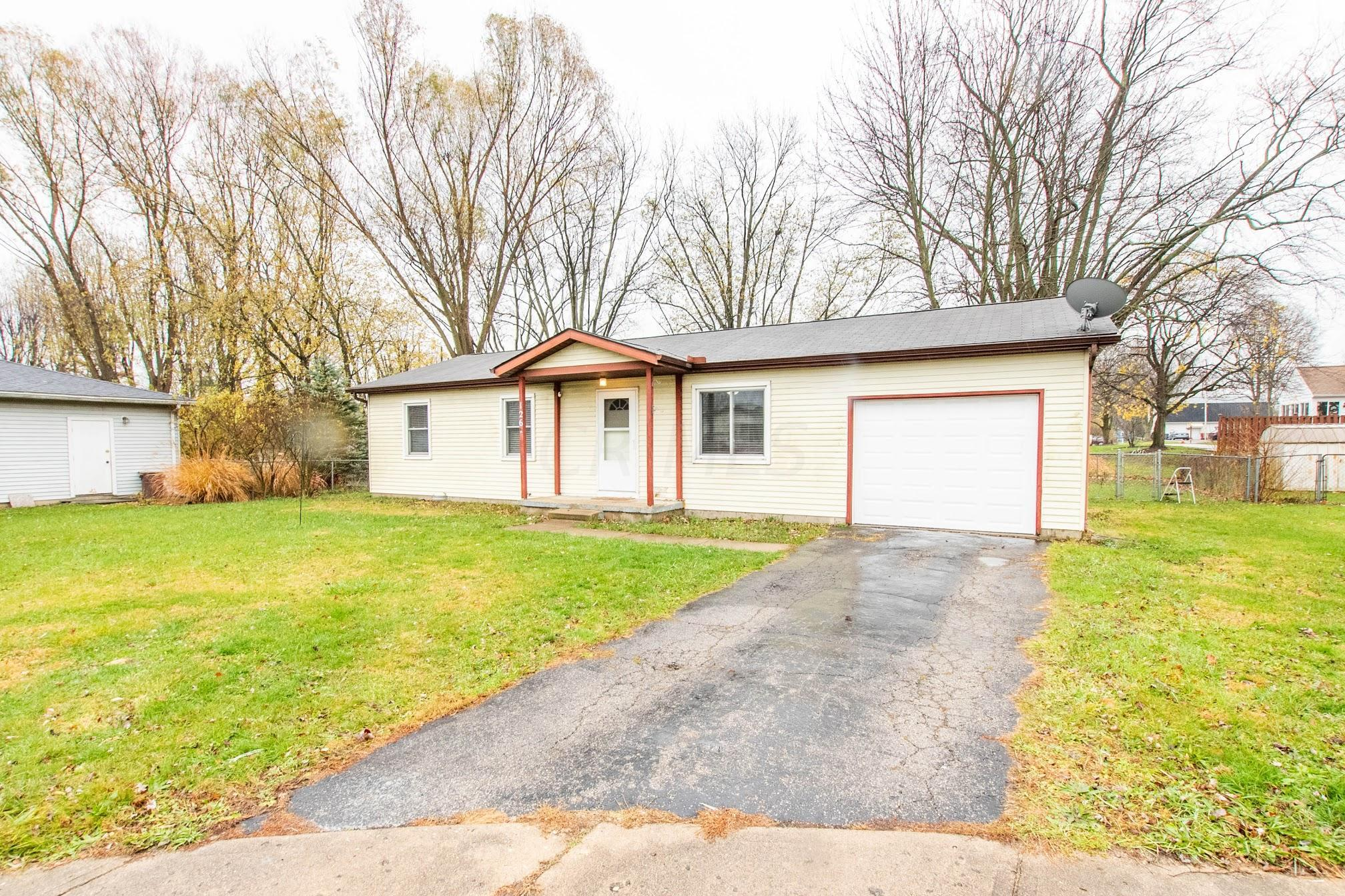 126 Dover Road, London, Ohio 43140, 3 Bedrooms Bedrooms, ,1 BathroomBathrooms,Residential,For Sale,Dover,220041124