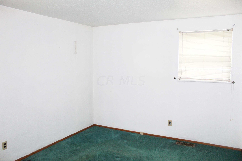 3816 Halsey Place, Columbus, Ohio 43228, 3 Bedrooms Bedrooms, ,2 BathroomsBathrooms,Residential,For Sale,Halsey,220041139