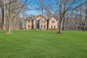 10381 Hoover Woods Road, Galena, OH 43021