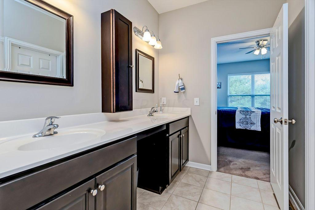 4900 Farview Road, Columbus, Ohio 43231, 2 Bedrooms Bedrooms, ,2 BathroomsBathrooms,Residential,For Sale,Farview,220041136