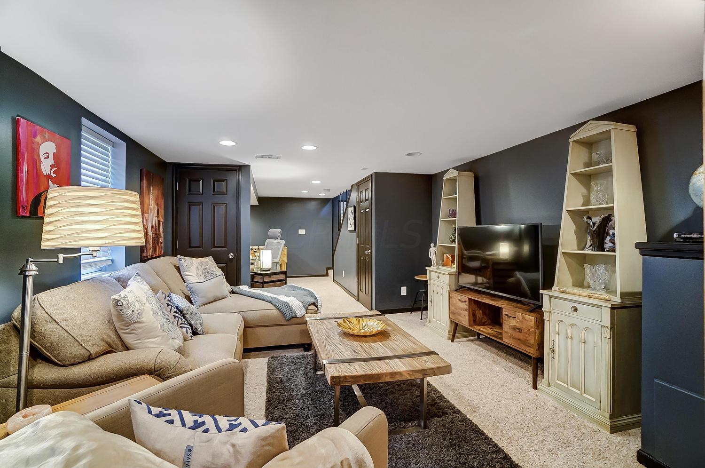 6113 Ashleylynn Court, Dublin, Ohio 43016, 3 Bedrooms Bedrooms, ,3 BathroomsBathrooms,Residential,For Sale,Ashleylynn,220042652