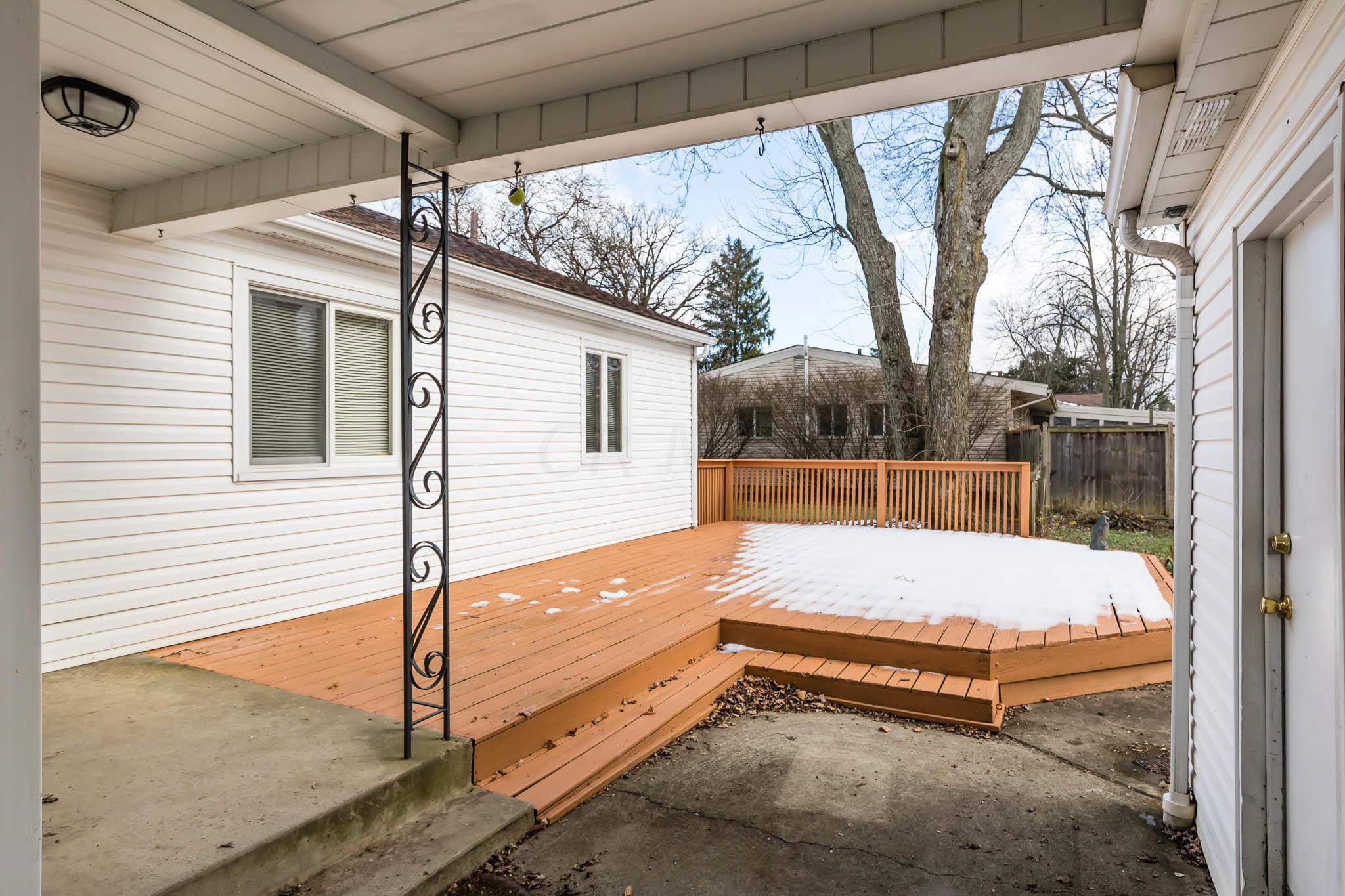 2119 Fishinger Road, Upper Arlington, Ohio 43221, 3 Bedrooms Bedrooms, ,2 BathroomsBathrooms,Residential,For Sale,Fishinger,220042263