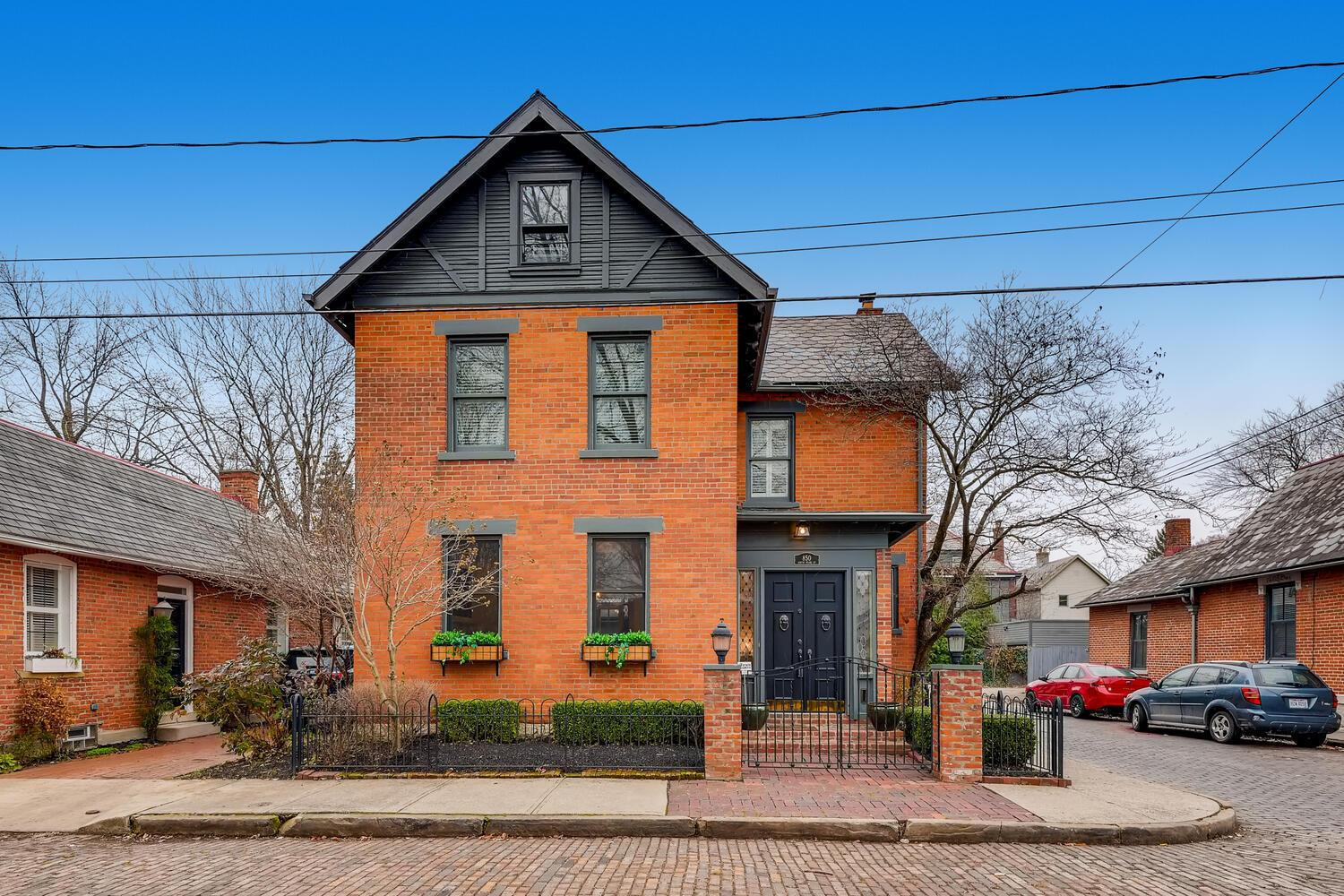 Property for sale at 850 S Pearl Street, Columbus,  Ohio 43206