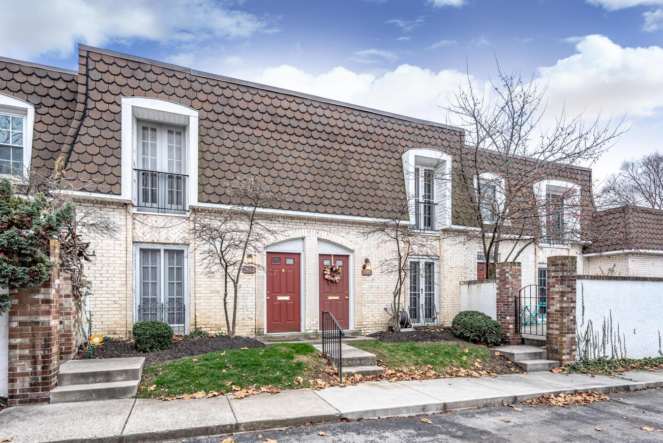 2815 Chateau Circle, Upper Arlington, Ohio 43221, 2 Bedrooms Bedrooms, ,2 BathroomsBathrooms,Residential,For Sale,Chateau,220042643