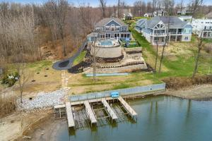Amazing 1.4 Acre Wooded Lakefront Lot!