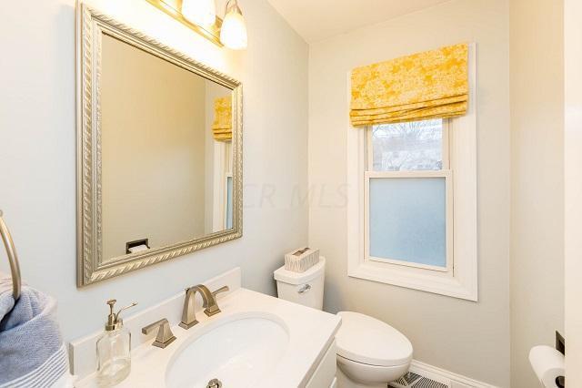 6816 Rieber Street, Worthington, Ohio 43085, 4 Bedrooms Bedrooms, ,3 BathroomsBathrooms,Residential,For Sale,Rieber,220043743