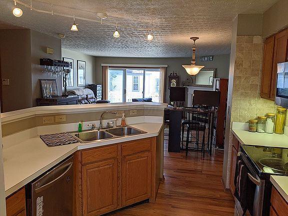 2252 Victoria Park Drive, Columbus, Ohio 43235, 3 Bedrooms Bedrooms, ,4 BathroomsBathrooms,Residential,For Sale,Victoria Park,220043116