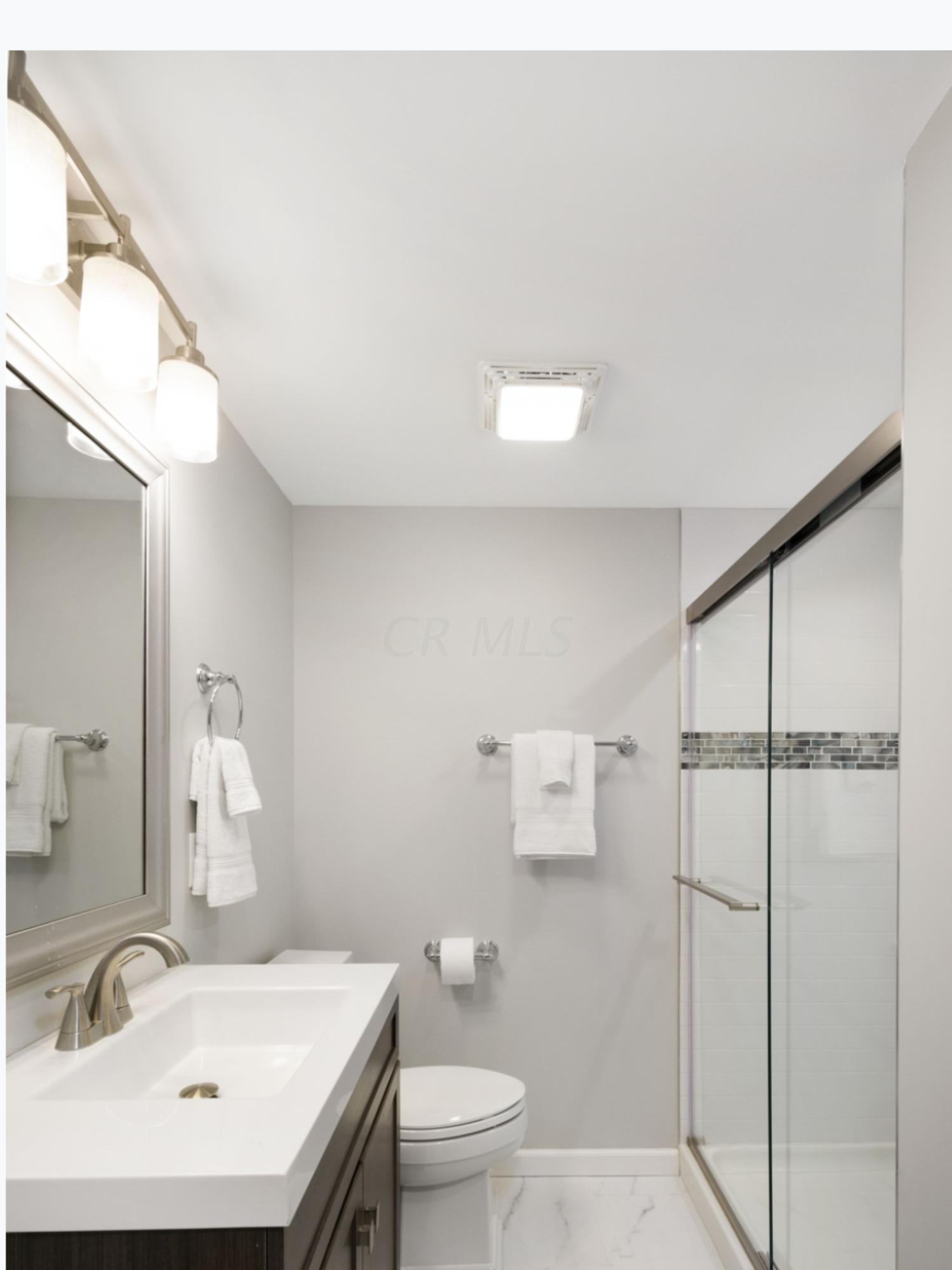 3068 Wareham Road, Upper Arlington, Ohio 43221, 3 Bedrooms Bedrooms, ,3 BathroomsBathrooms,Residential,For Sale,Wareham,220043592