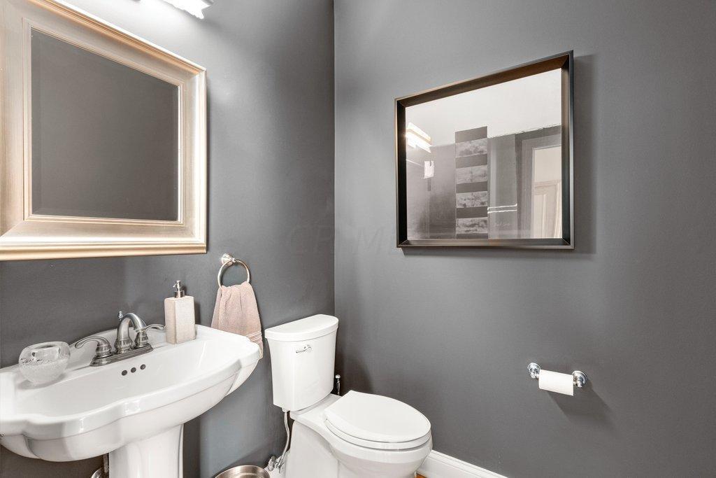 8141 Summerhouse Drive, Dublin, Ohio 43016, 4 Bedrooms Bedrooms, ,3 BathroomsBathrooms,Residential,For Sale,Summerhouse,221000062
