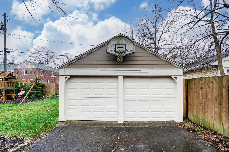 1643 Barrington Road, Upper Arlington, Ohio 43221, 3 Bedrooms Bedrooms, ,2 BathroomsBathrooms,Residential,For Sale,Barrington,220044085