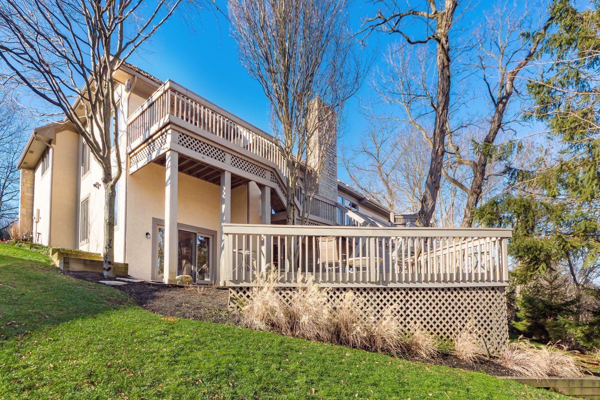 718 Old Oak, Columbus, Ohio 43235, 3 Bedrooms Bedrooms, ,3 BathroomsBathrooms,Residential,For Sale,Old Oak,221000035
