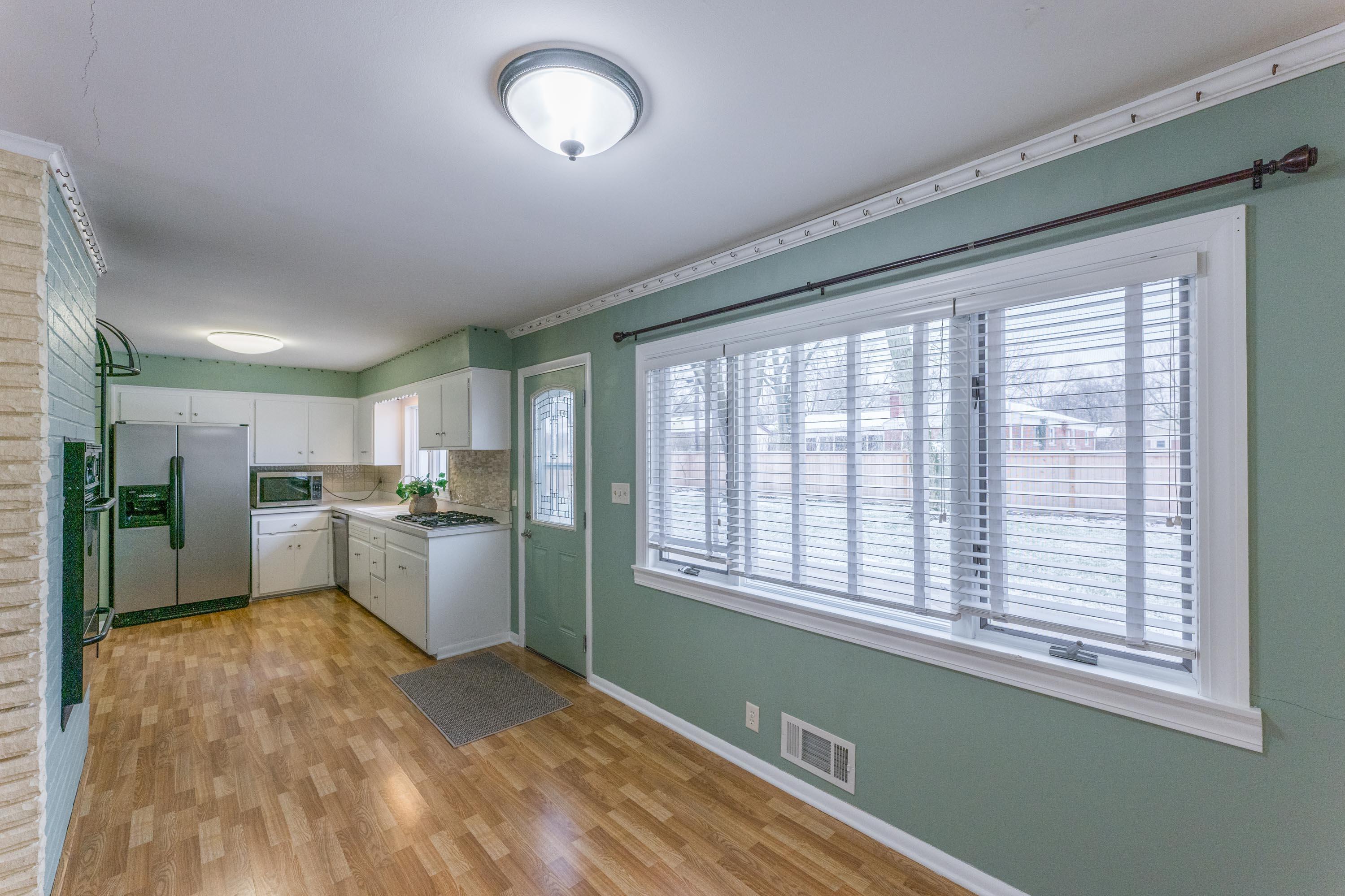 2711 Mount Holyoke Road, Upper Arlington, Ohio 43221, 3 Bedrooms Bedrooms, ,2 BathroomsBathrooms,Residential,For Sale,Mount Holyoke,221000044