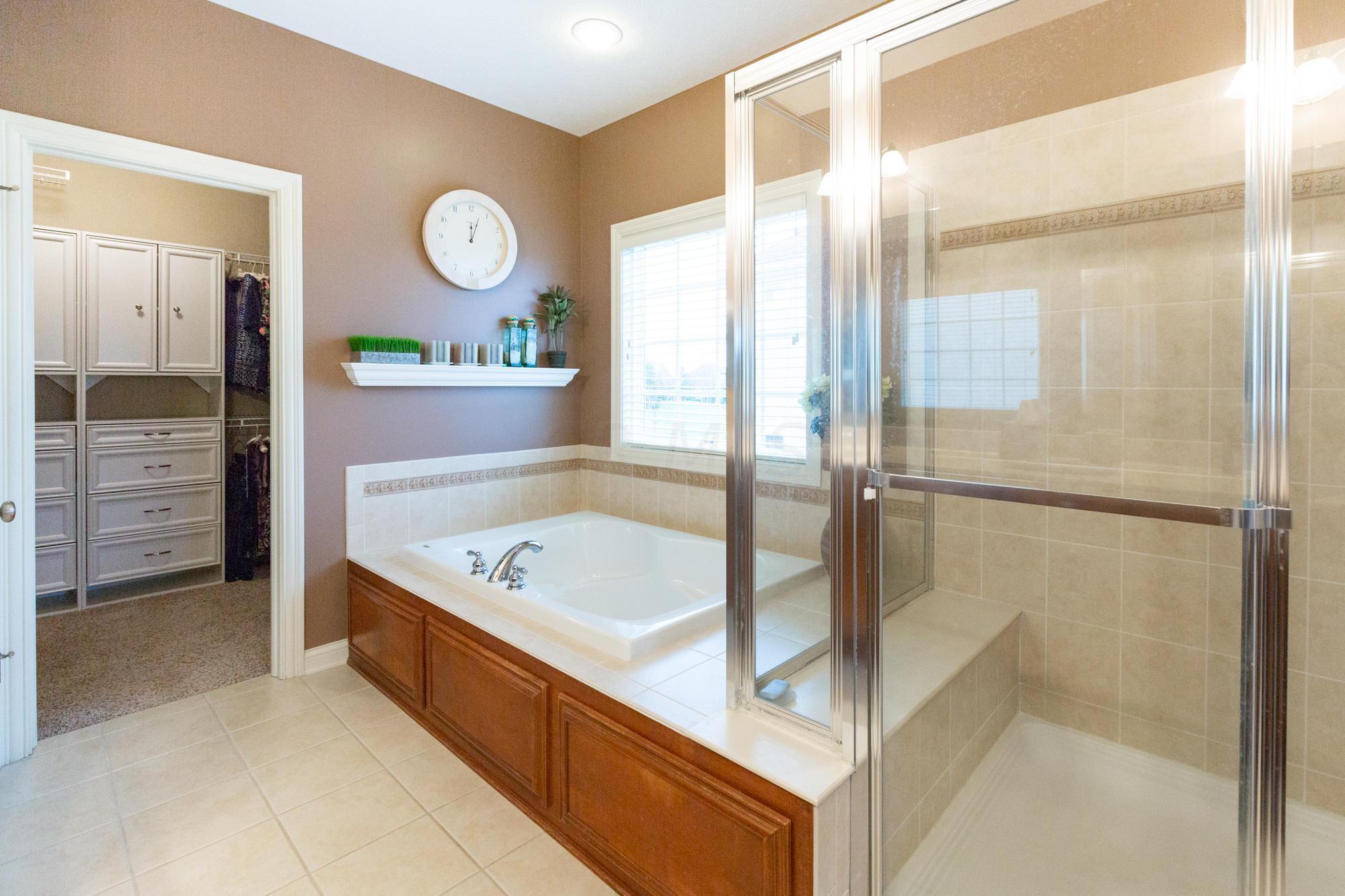 6013 Baronscourt Way, Dublin, Ohio 43016, 4 Bedrooms Bedrooms, ,4 BathroomsBathrooms,Residential,For Sale,Baronscourt,221000187