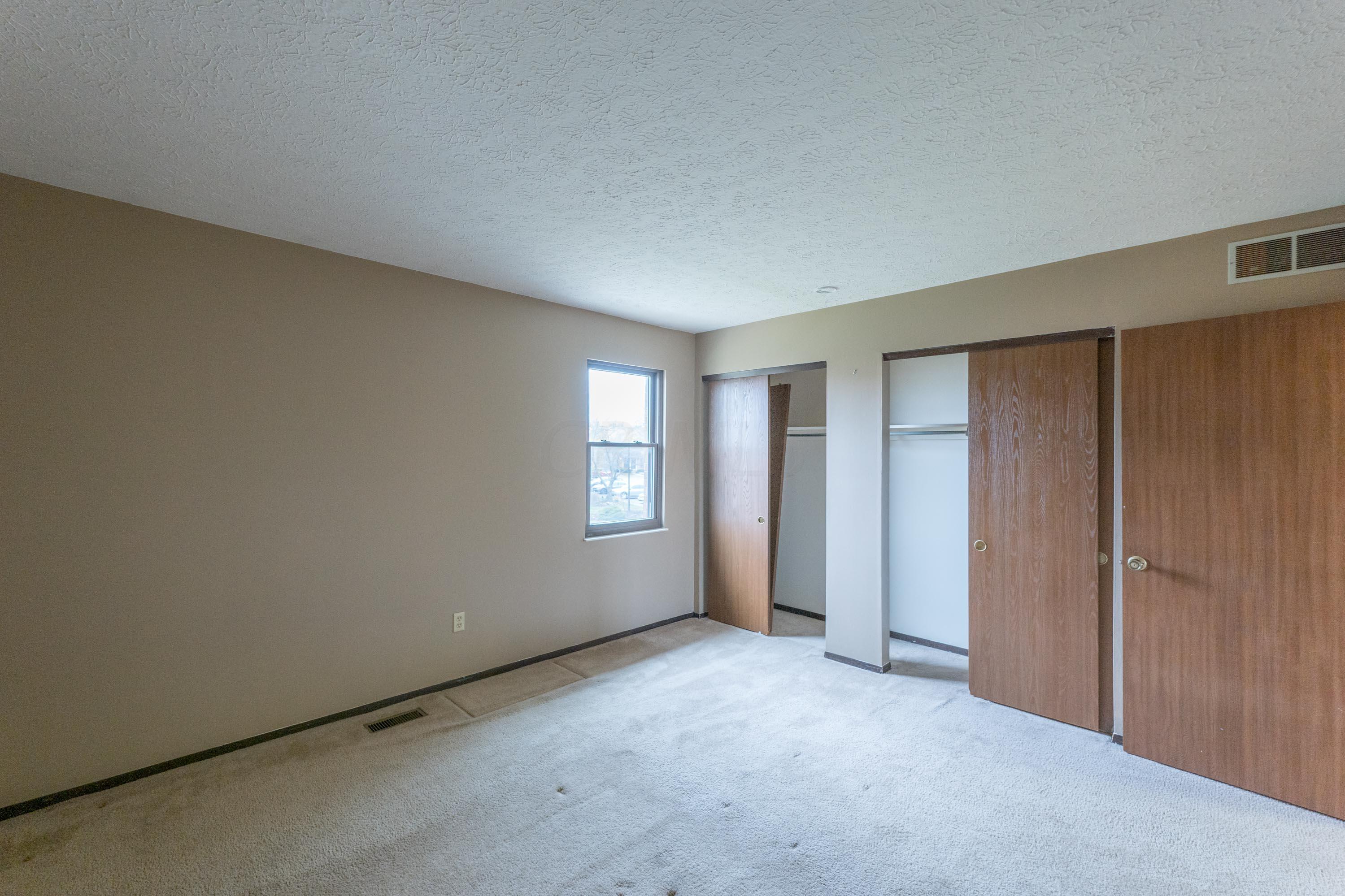 7927 Verandah Court, Powell, Ohio 43065, 2 Bedrooms Bedrooms, ,2 BathroomsBathrooms,Residential,For Sale,Verandah,221000145