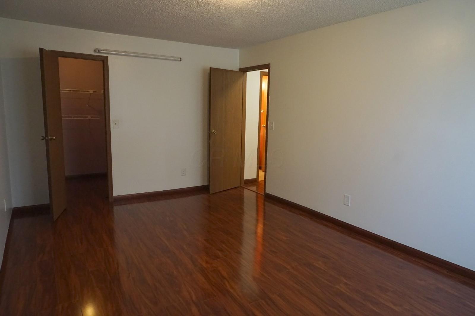5027 Crockett Drive, Hilliard, Ohio 43026, 3 Bedrooms Bedrooms, ,3 BathroomsBathrooms,Residential,For Sale,Crockett,221000297