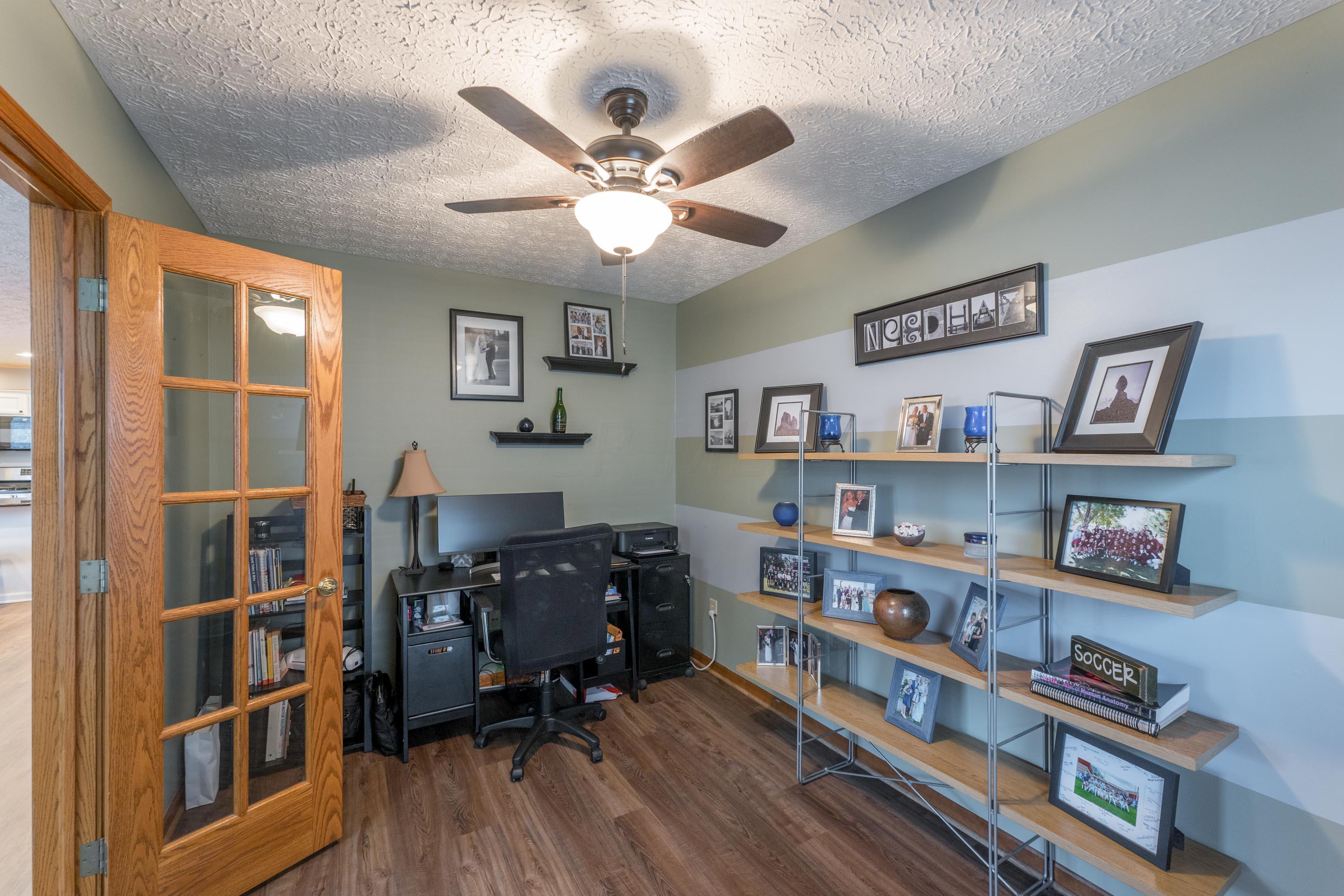 2861 Honeysuckle Lane, Hilliard, Ohio 43026, 4 Bedrooms Bedrooms, ,3 BathroomsBathrooms,Residential,For Sale,Honeysuckle,221000443