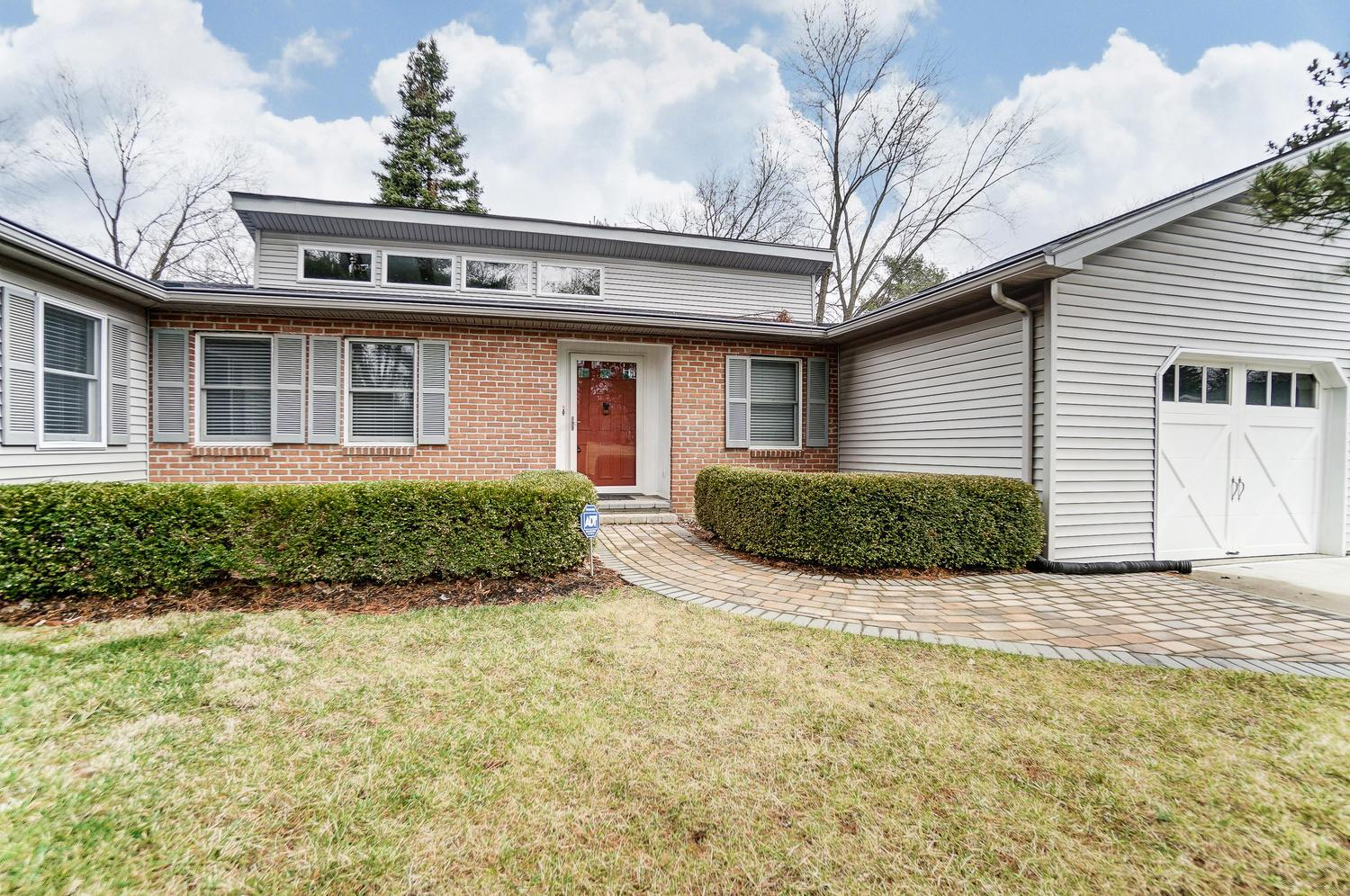 100 Chacey Lane, Worthington, Ohio 43085, 2 Bedrooms Bedrooms, ,2 BathroomsBathrooms,Residential,For Sale,Chacey,221000535