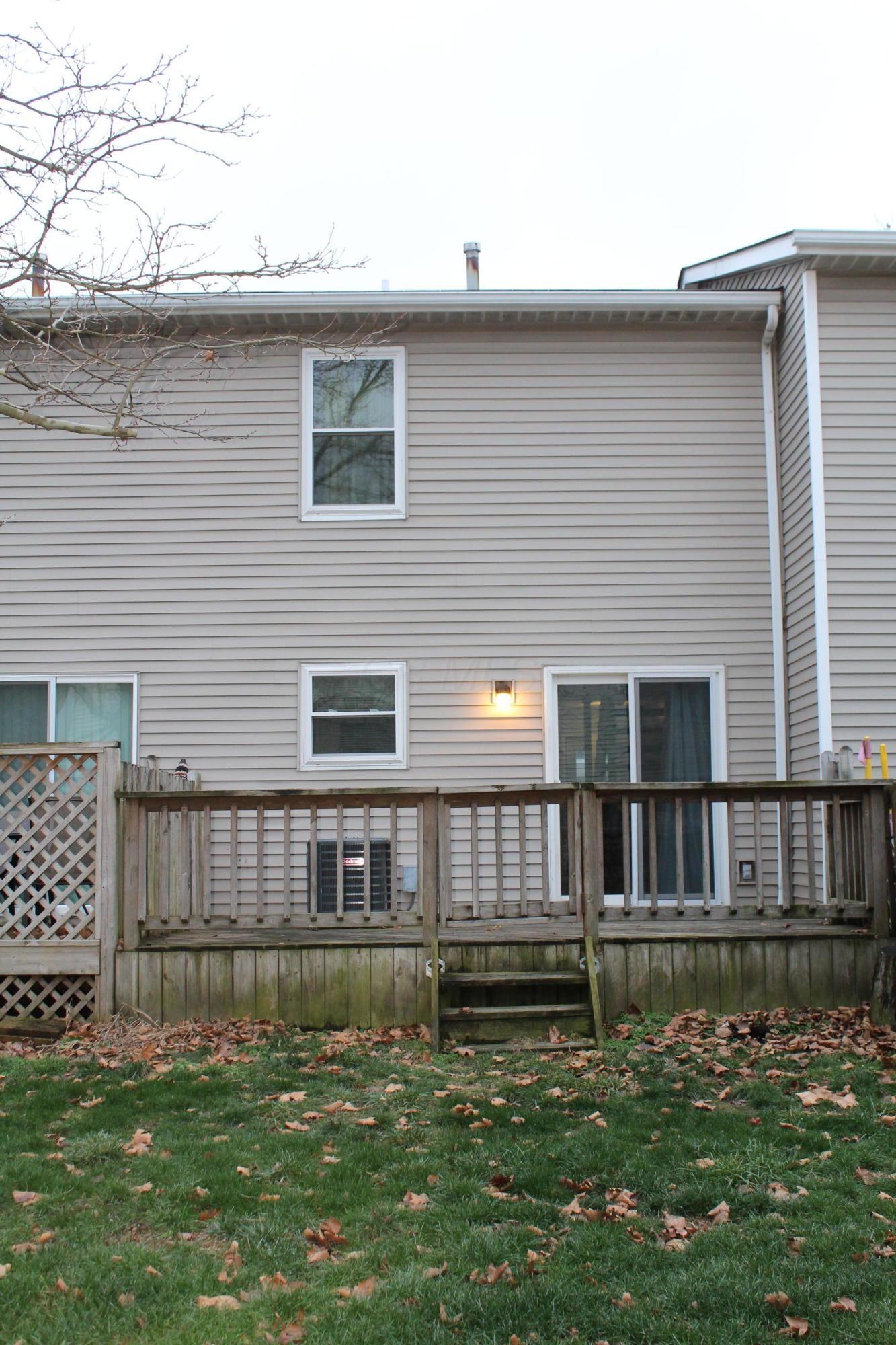 870 Charnwood Lane, Worthington, Ohio 43085, 2 Bedrooms Bedrooms, ,2 BathroomsBathrooms,Residential,For Sale,Charnwood,221000549