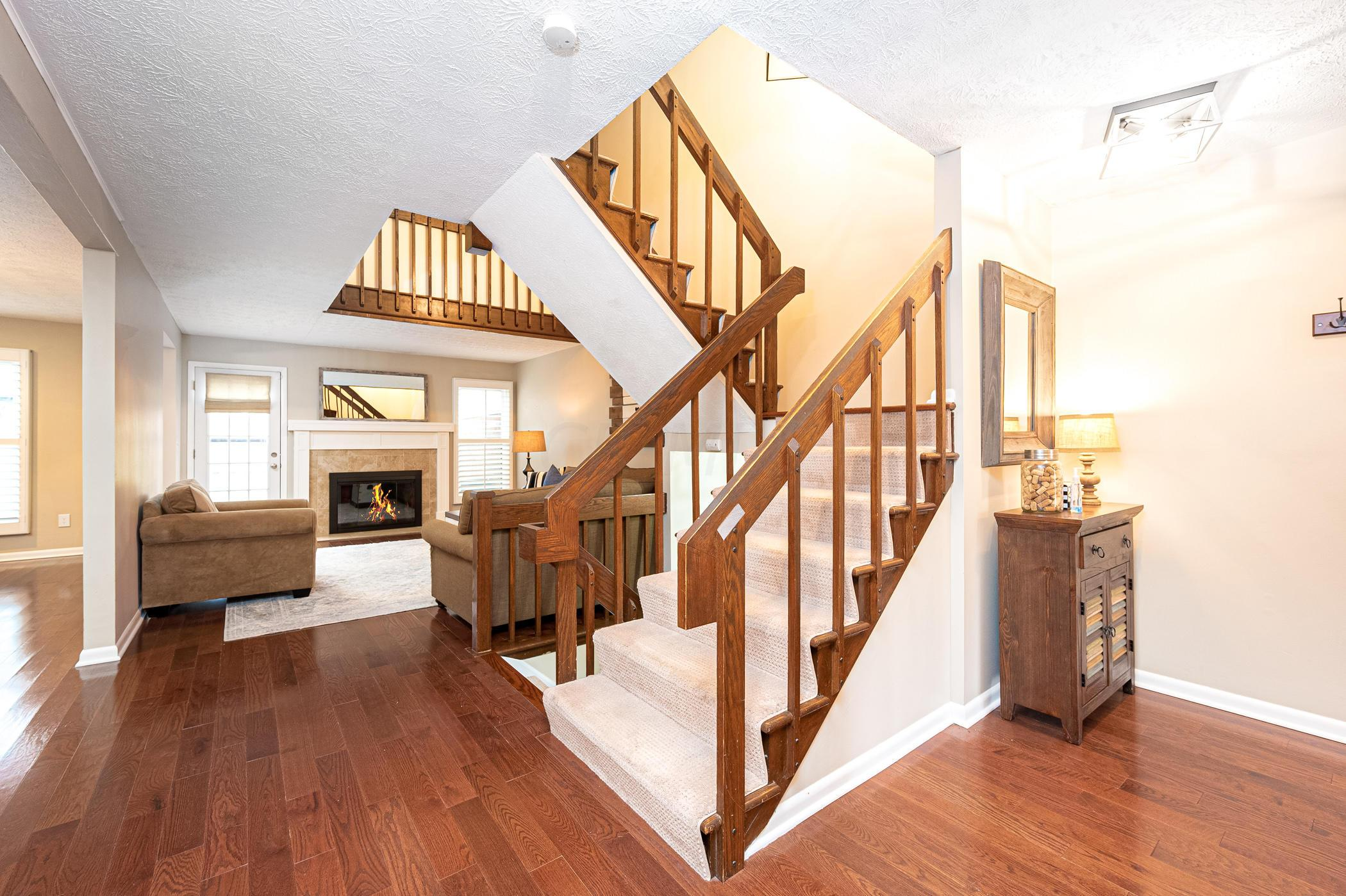 4523 Carriage Hill Lane, Columbus, Ohio 43220, 3 Bedrooms Bedrooms, ,3 BathroomsBathrooms,Residential,For Sale,Carriage Hill,221000629