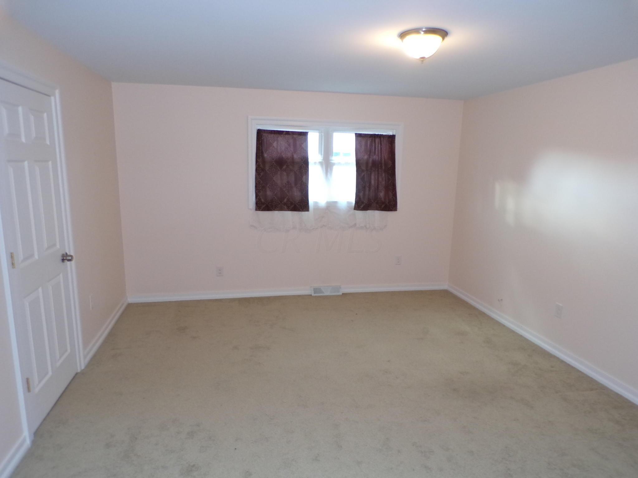 6285 Feder Road, Columbus, Ohio 43228, 2 Bedrooms Bedrooms, ,2 BathroomsBathrooms,Residential,For Sale,Feder,221000641