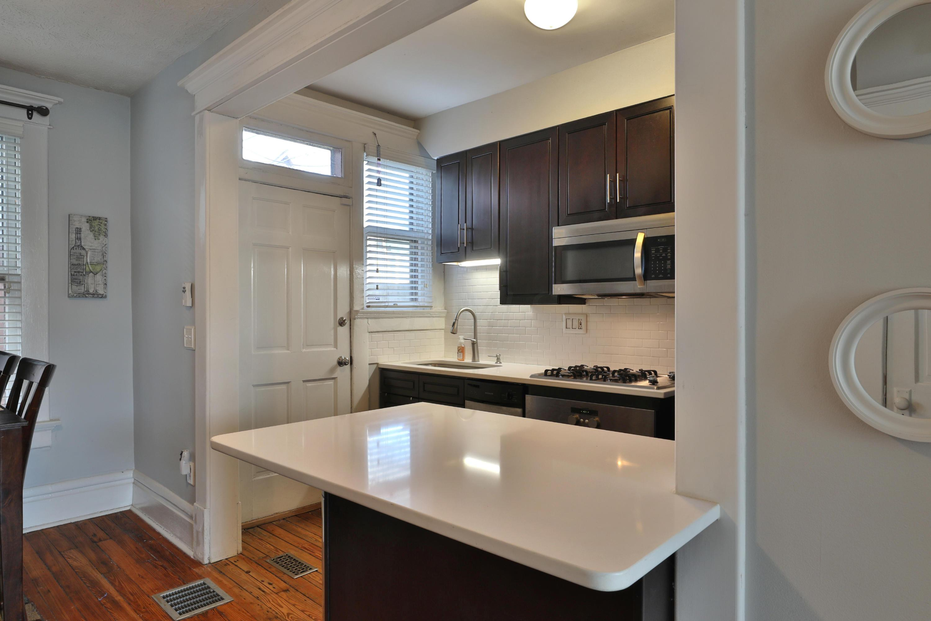 923 Dennison Avenue, Columbus, Ohio 43201, 2 Bedrooms Bedrooms, ,1 BathroomBathrooms,Residential,For Sale,Dennison,221000806