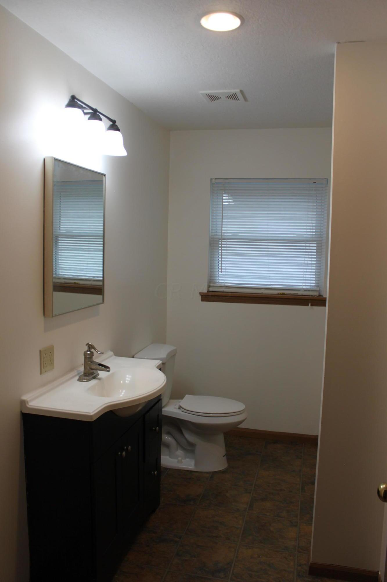 905 Lakeview Avenue, Washington Court House, Ohio 43160, 3 Bedrooms Bedrooms, ,2 BathroomsBathrooms,Residential,For Sale,Lakeview,221001138