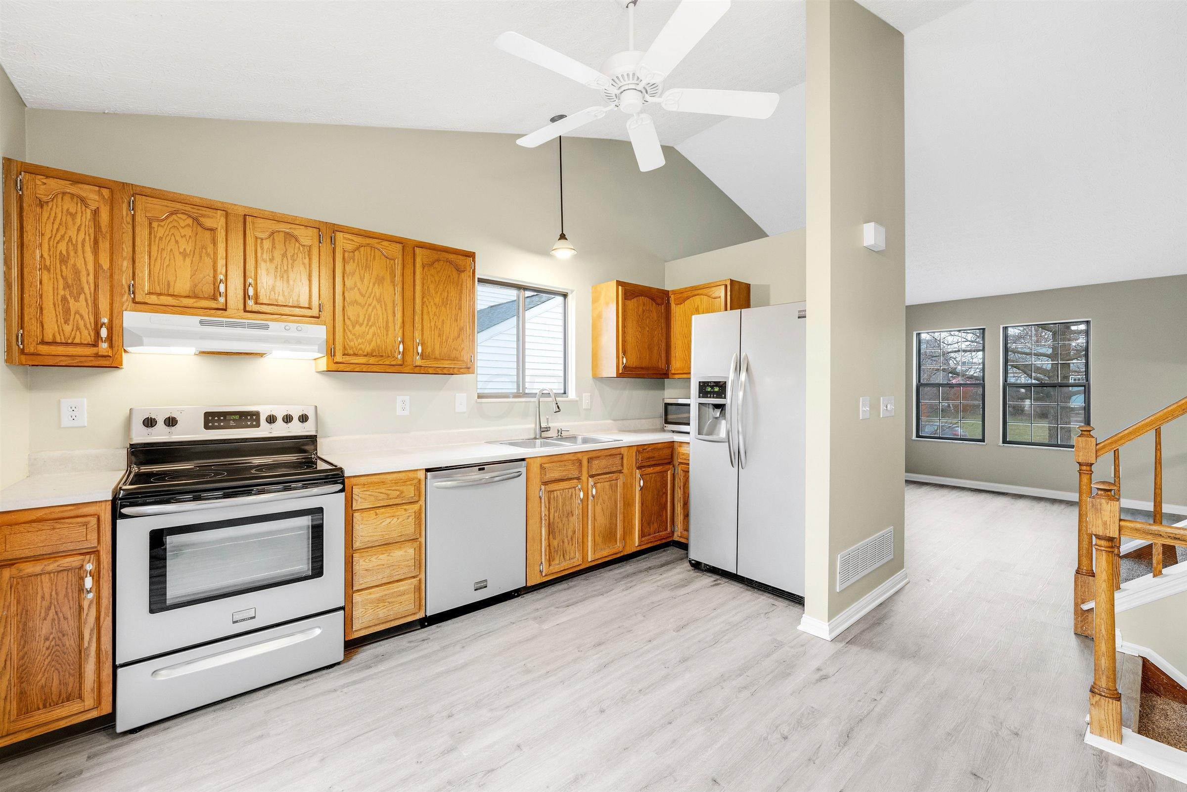 1785 Redcloud Drive, Powell, Ohio 43065, 3 Bedrooms Bedrooms, ,2 BathroomsBathrooms,Residential,For Sale,Redcloud,221001035