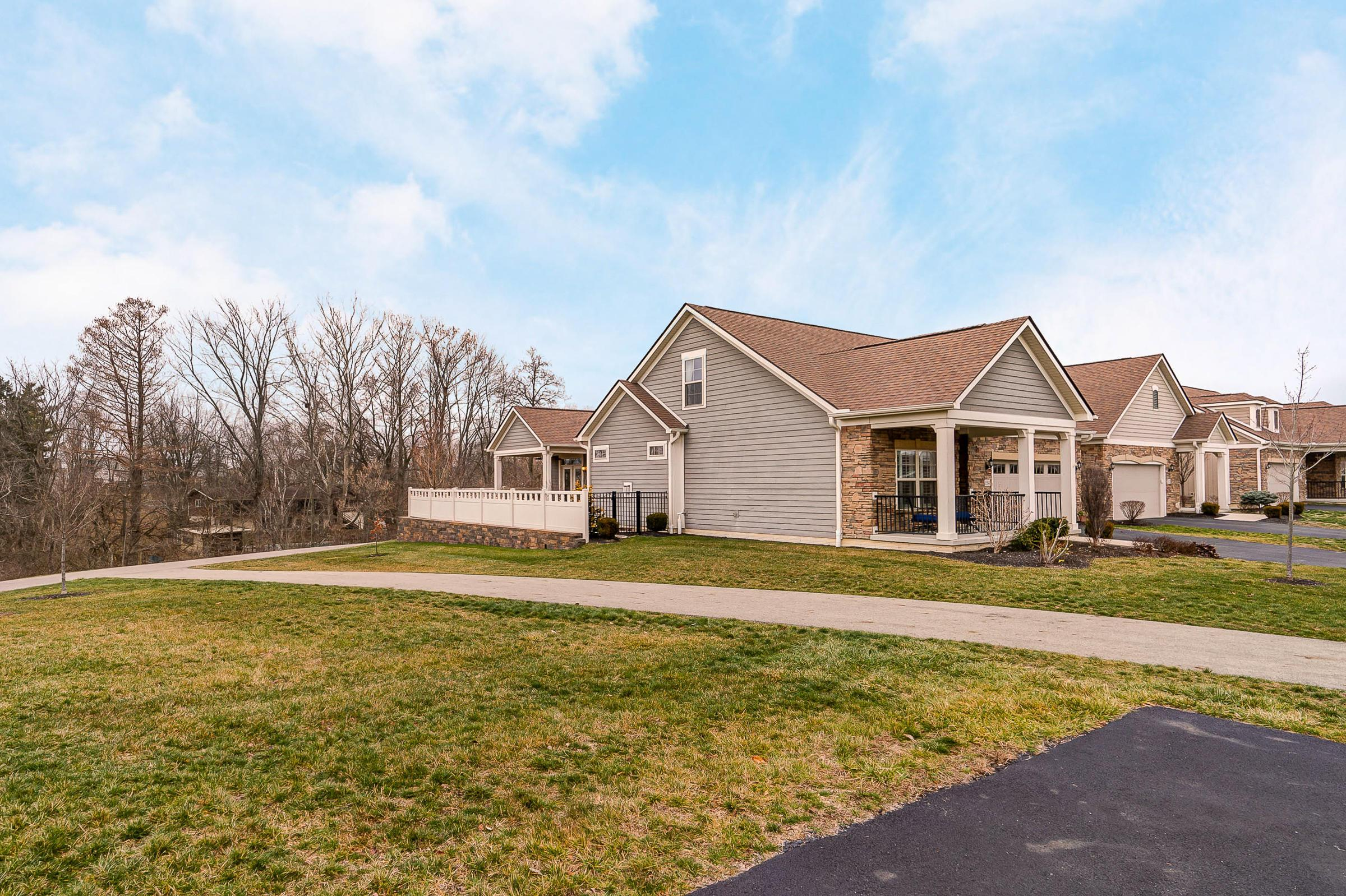 5584 Eventing Way, Hilliard, Ohio 43026, 3 Bedrooms Bedrooms, ,4 BathroomsBathrooms,Residential,For Sale,Eventing,221001009