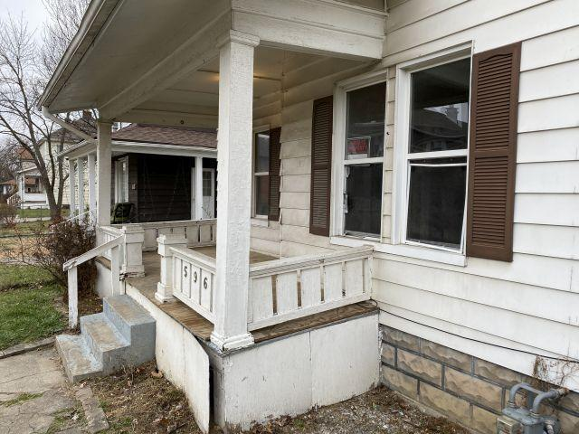 596 Southwood Avenue, Columbus, Ohio 43207, 3 Bedrooms Bedrooms, ,1 BathroomBathrooms,Residential,For Sale,Southwood,221000995
