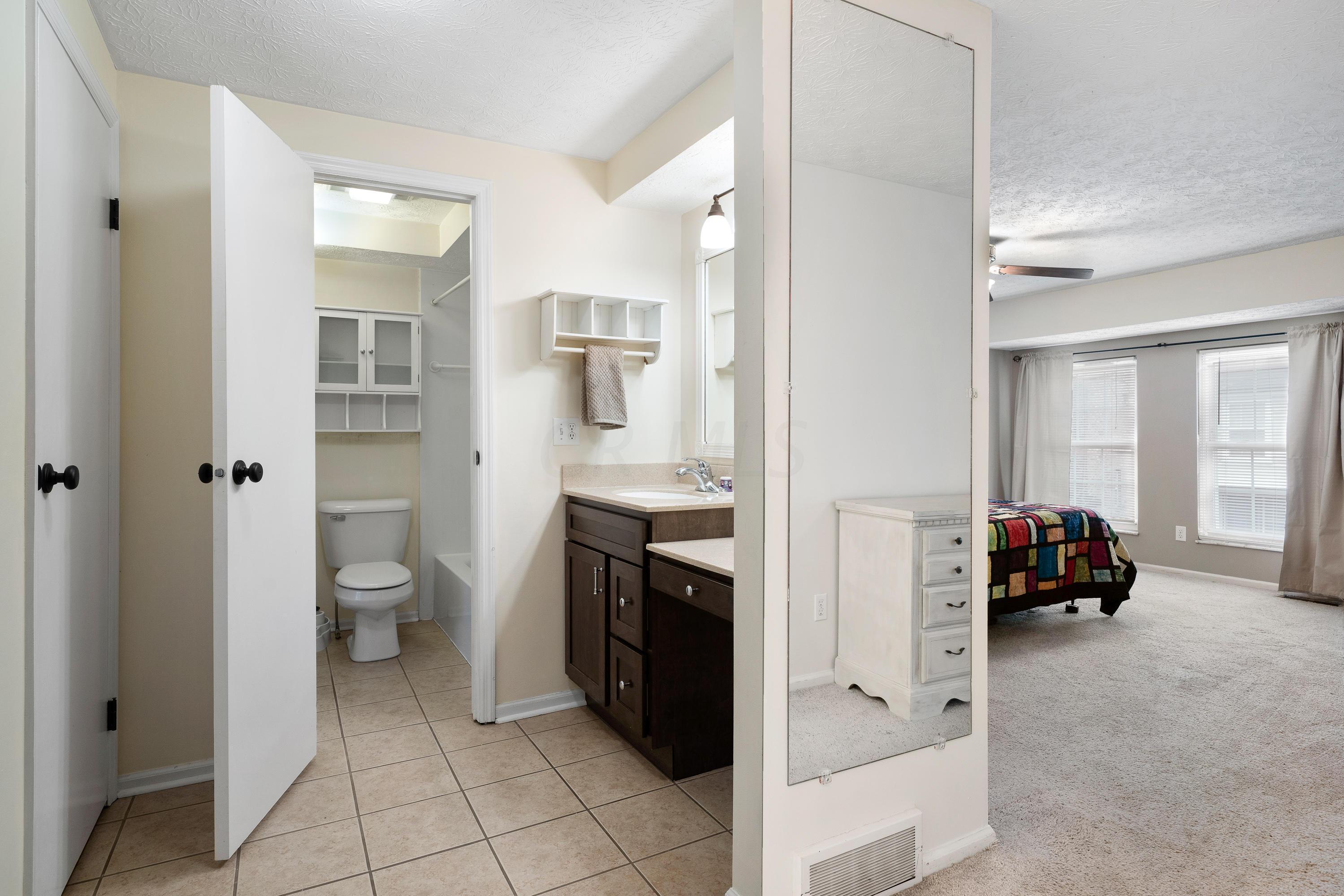 5103 Delancey Street, Columbus, Ohio 43220, 2 Bedrooms Bedrooms, ,2 BathroomsBathrooms,Residential,For Sale,Delancey,221001143