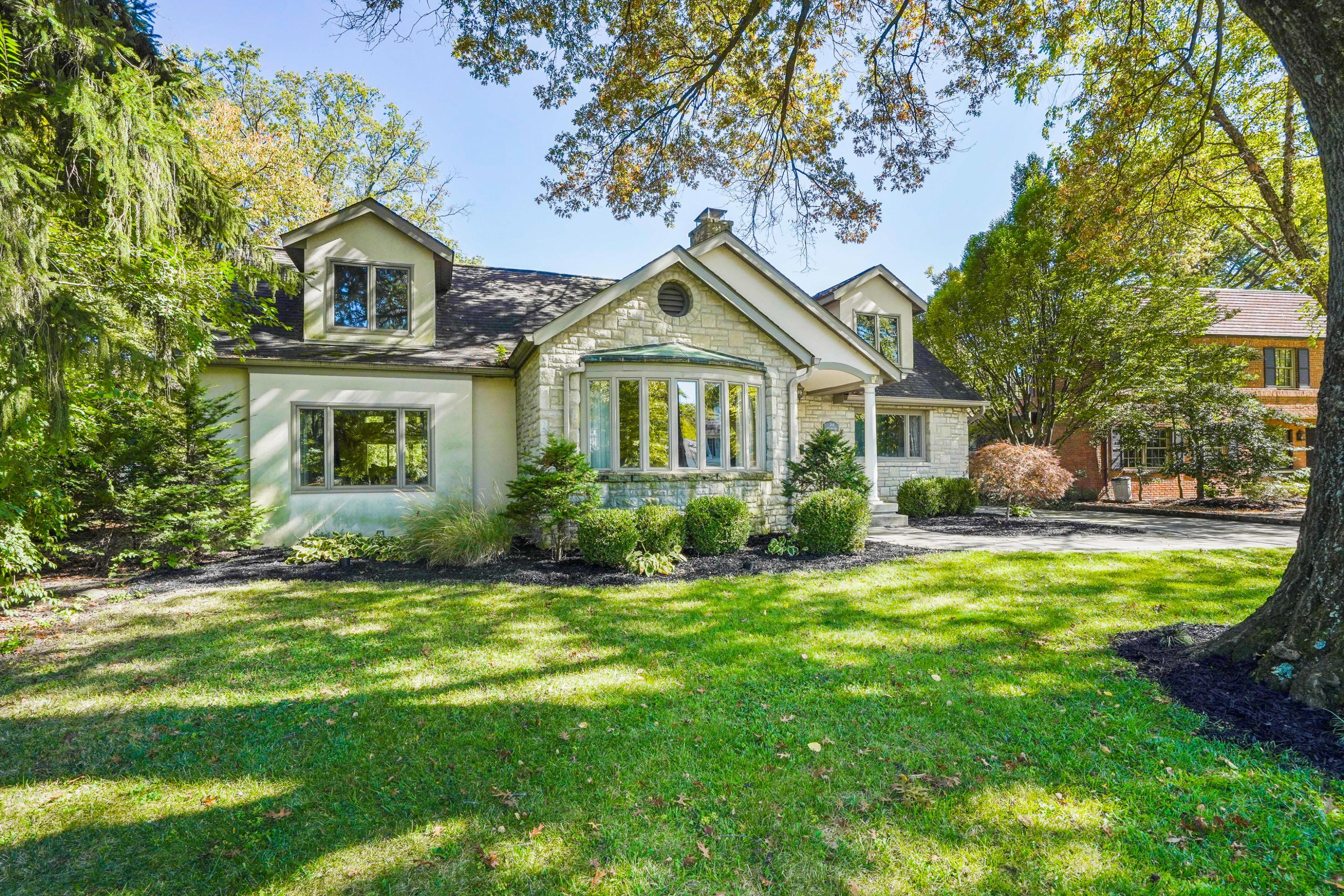 268 Ashbourne Place, Bexley, Ohio 43209, 4 Bedrooms Bedrooms, ,5 BathroomsBathrooms,Residential,For Sale,Ashbourne,221001154