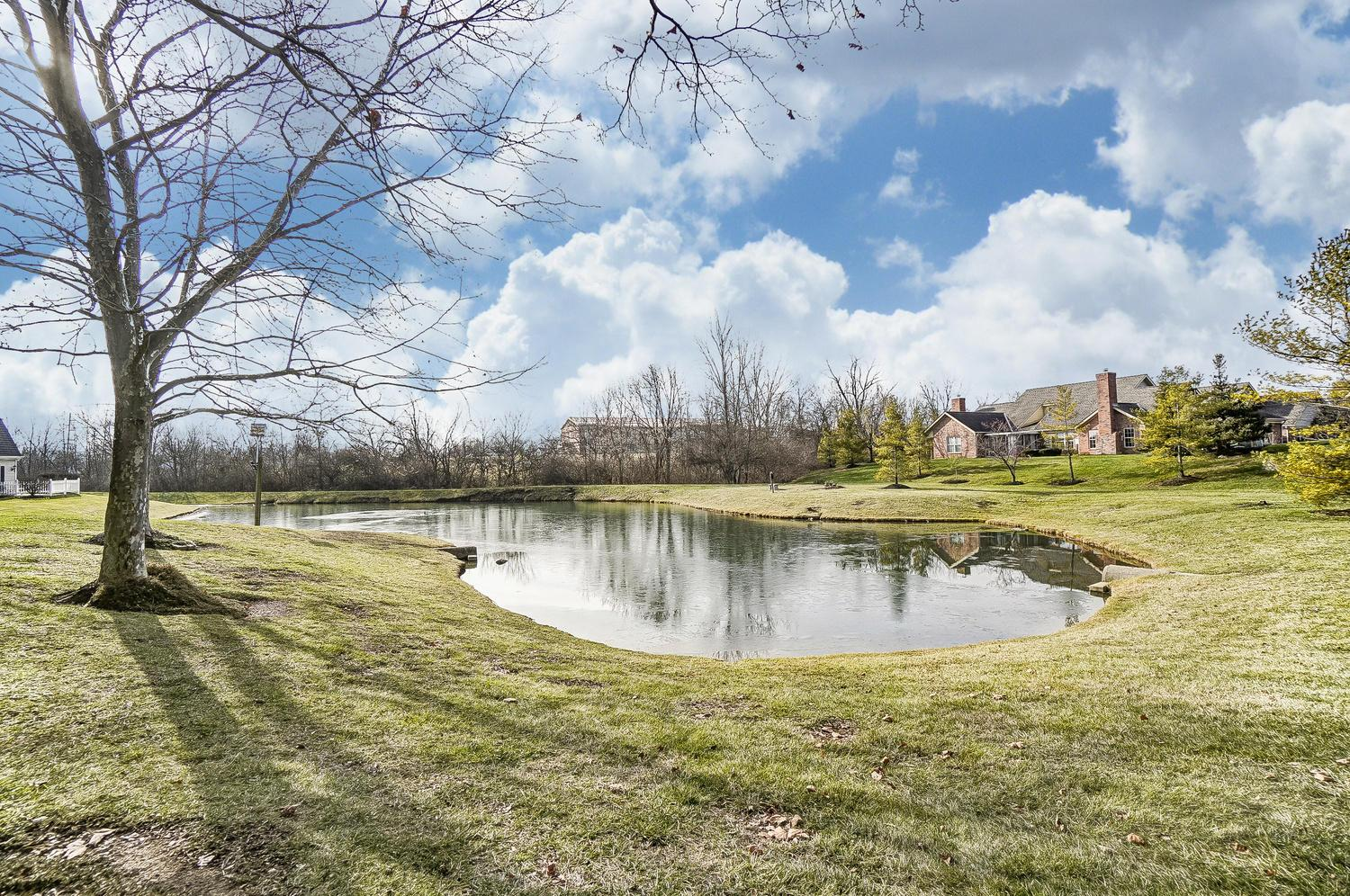 2536 Swan Drive, Grove City, Ohio 43123, 2 Bedrooms Bedrooms, ,2 BathroomsBathrooms,Residential,For Sale,Swan,221000965