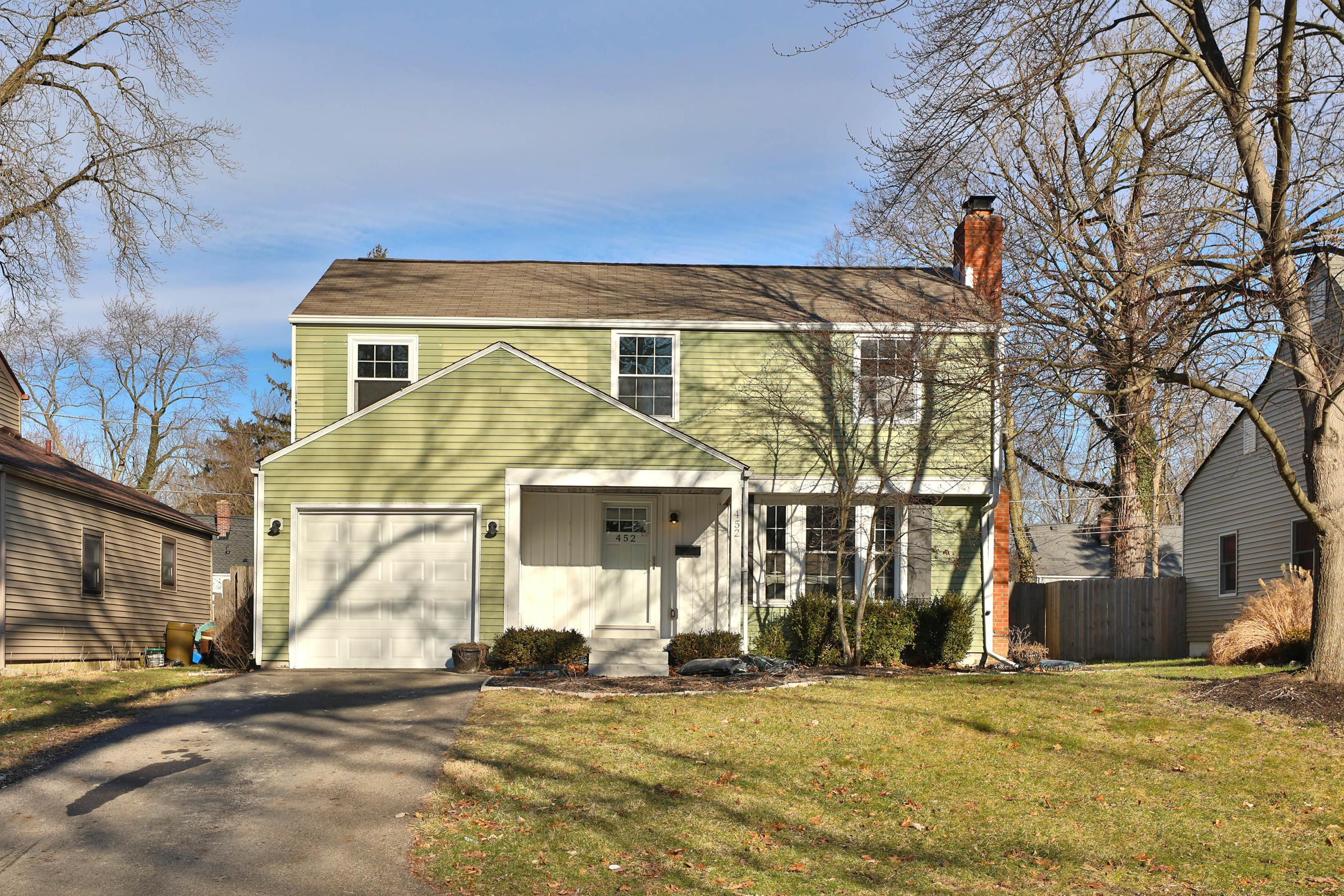 Photo of 452 Colonial Avenue, Worthington, OH 43085
