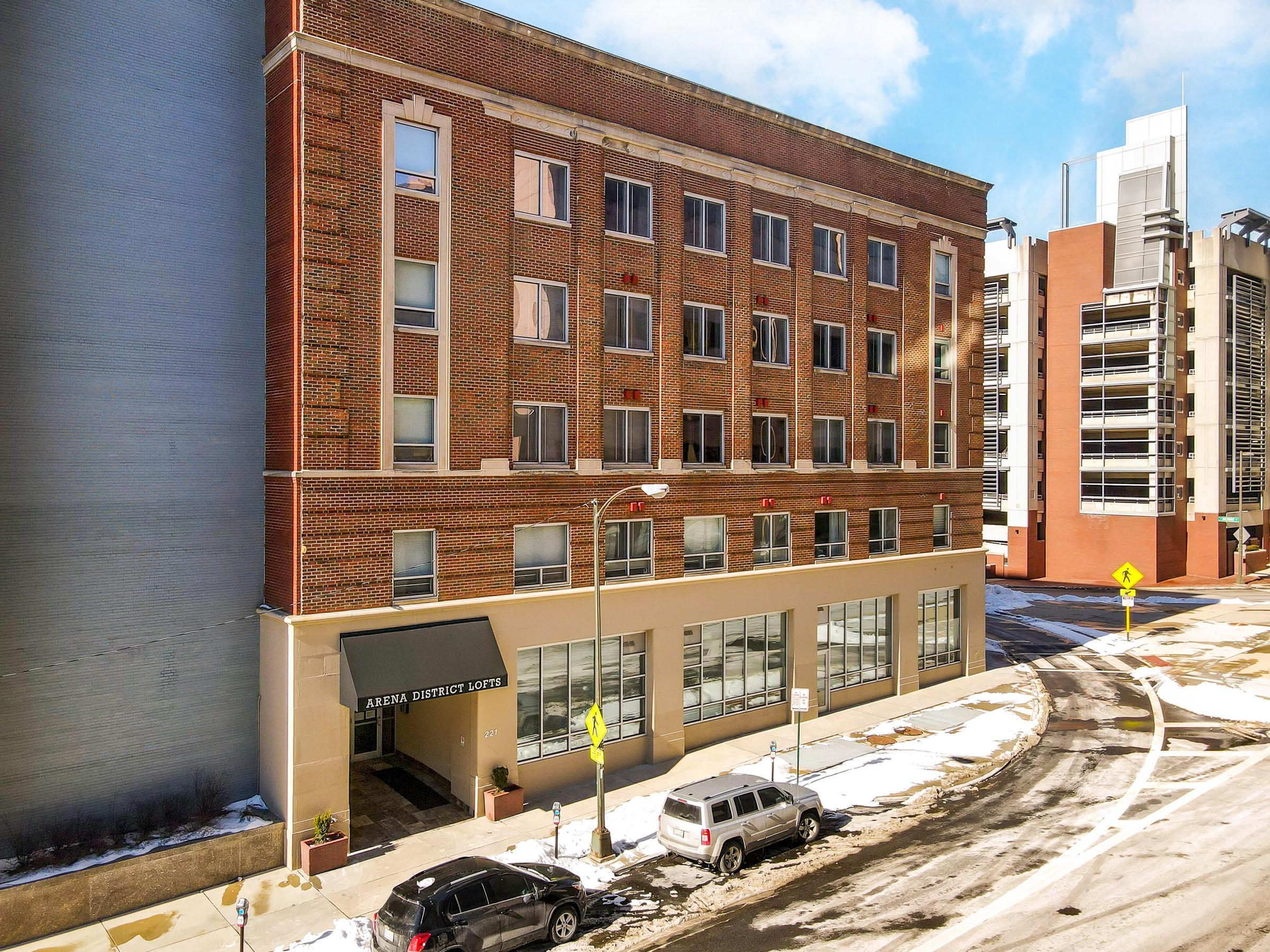 221 n Front #110-4