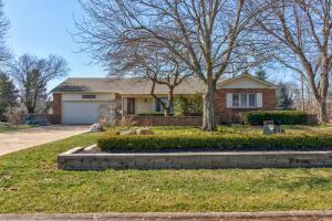 Undefined image of 1107 Barberry Lane, Columbus, OH 43213