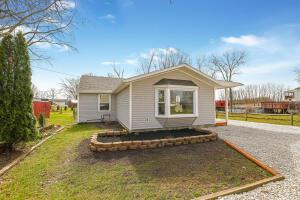 103 W 1st Avenue, Hebron, OH 43025