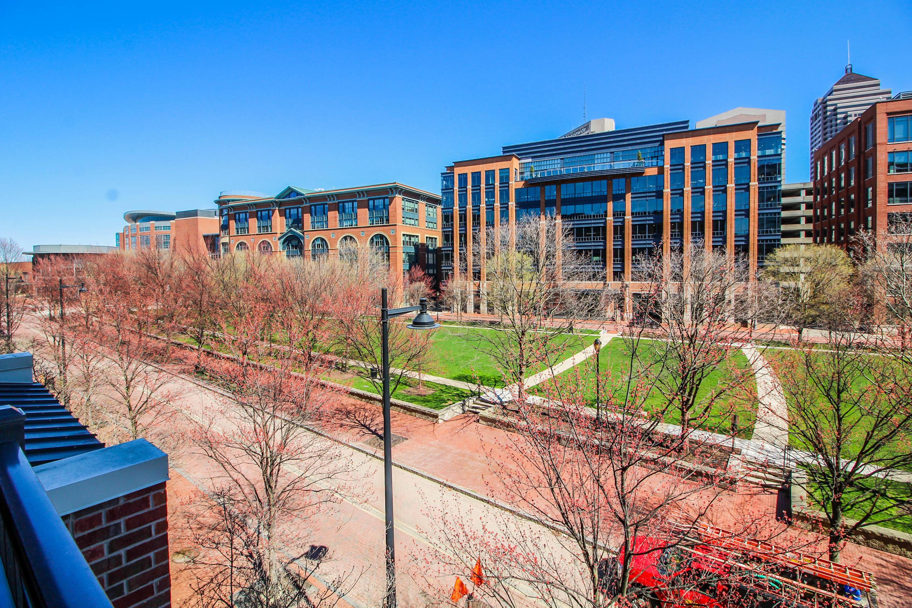 Property for sale at 250 Daniel Burnham Square 303, Columbus,  Ohio 43215