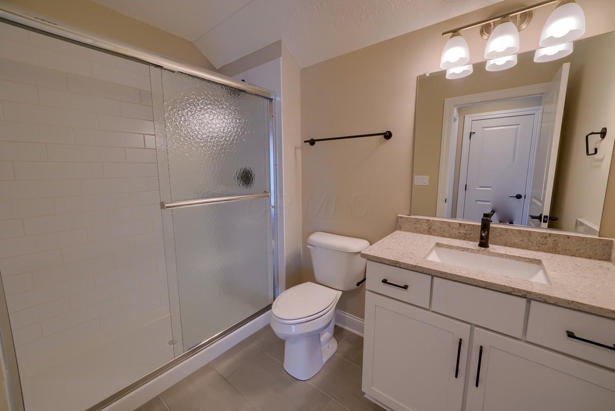 Bathroom 3, upstairs