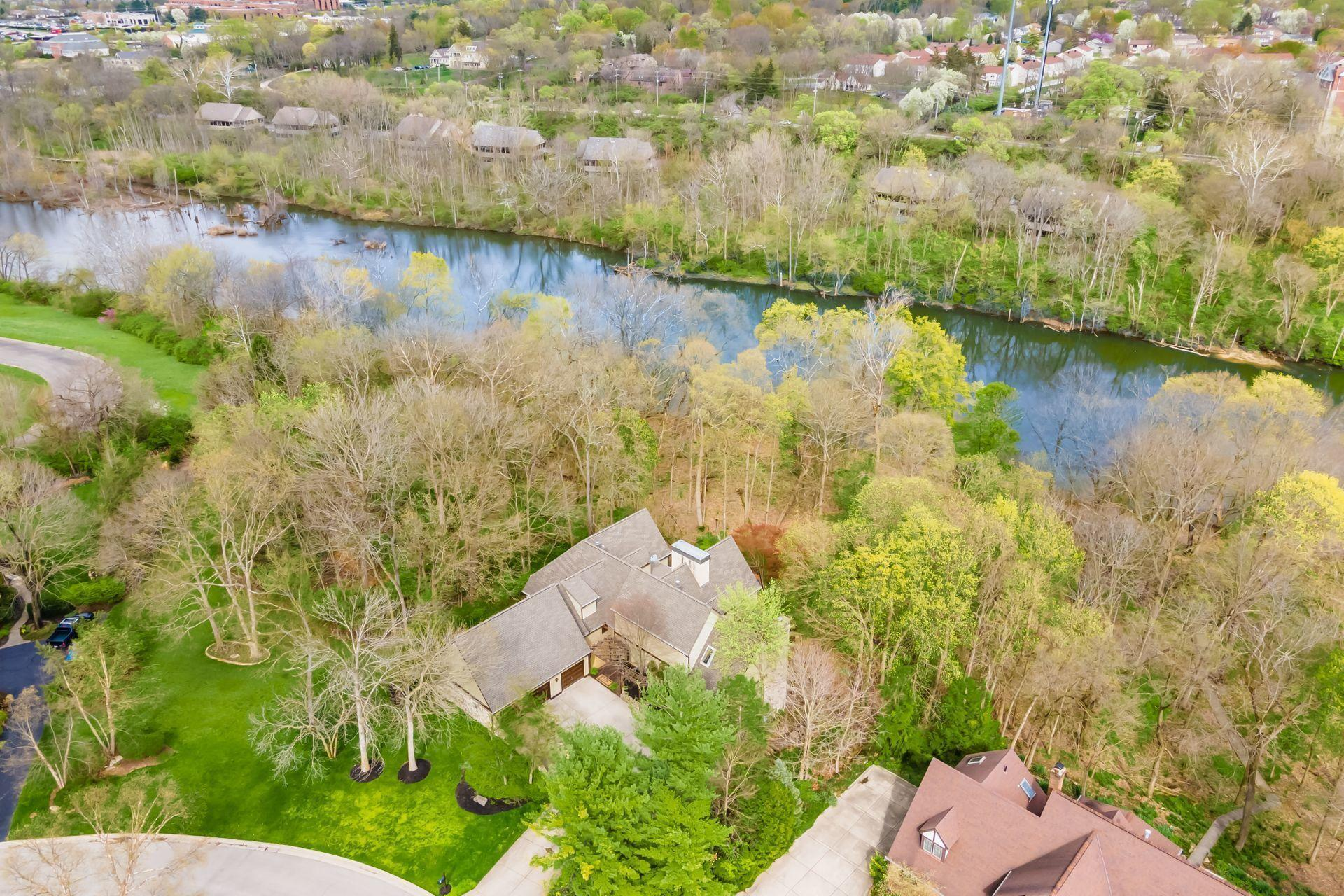 Photo of 6124 Karrer Place, Dublin, OH 43017