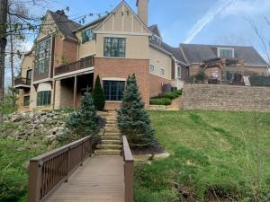 7900 Ginger Place, Dublin, OH 43017