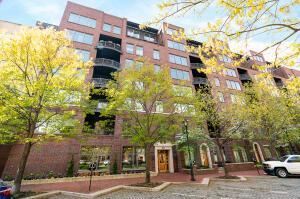 Luxury living in the Arena District at Burnham Sq Condominiums.