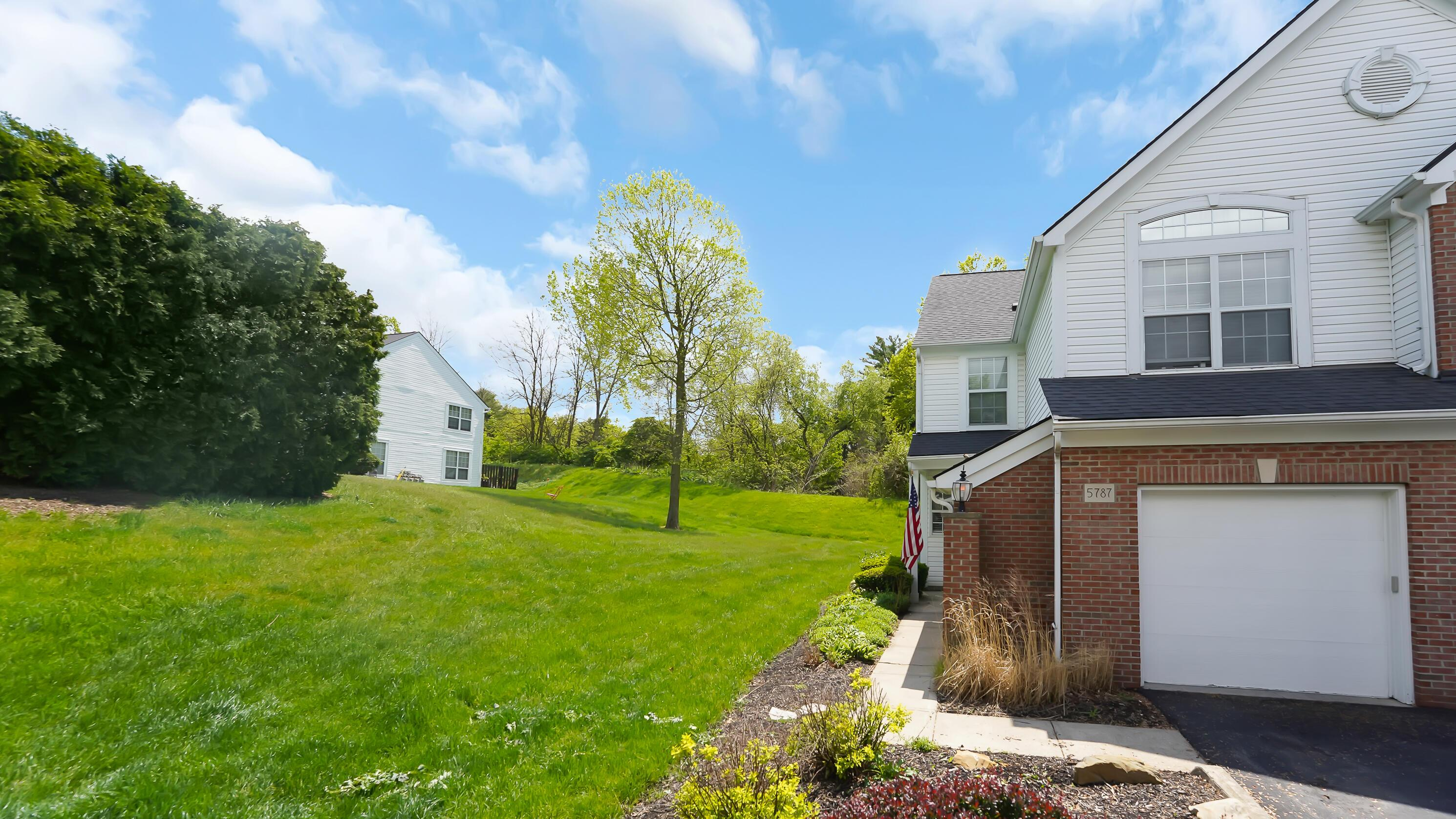 5787 Albany Green Westerville OH 43081-1