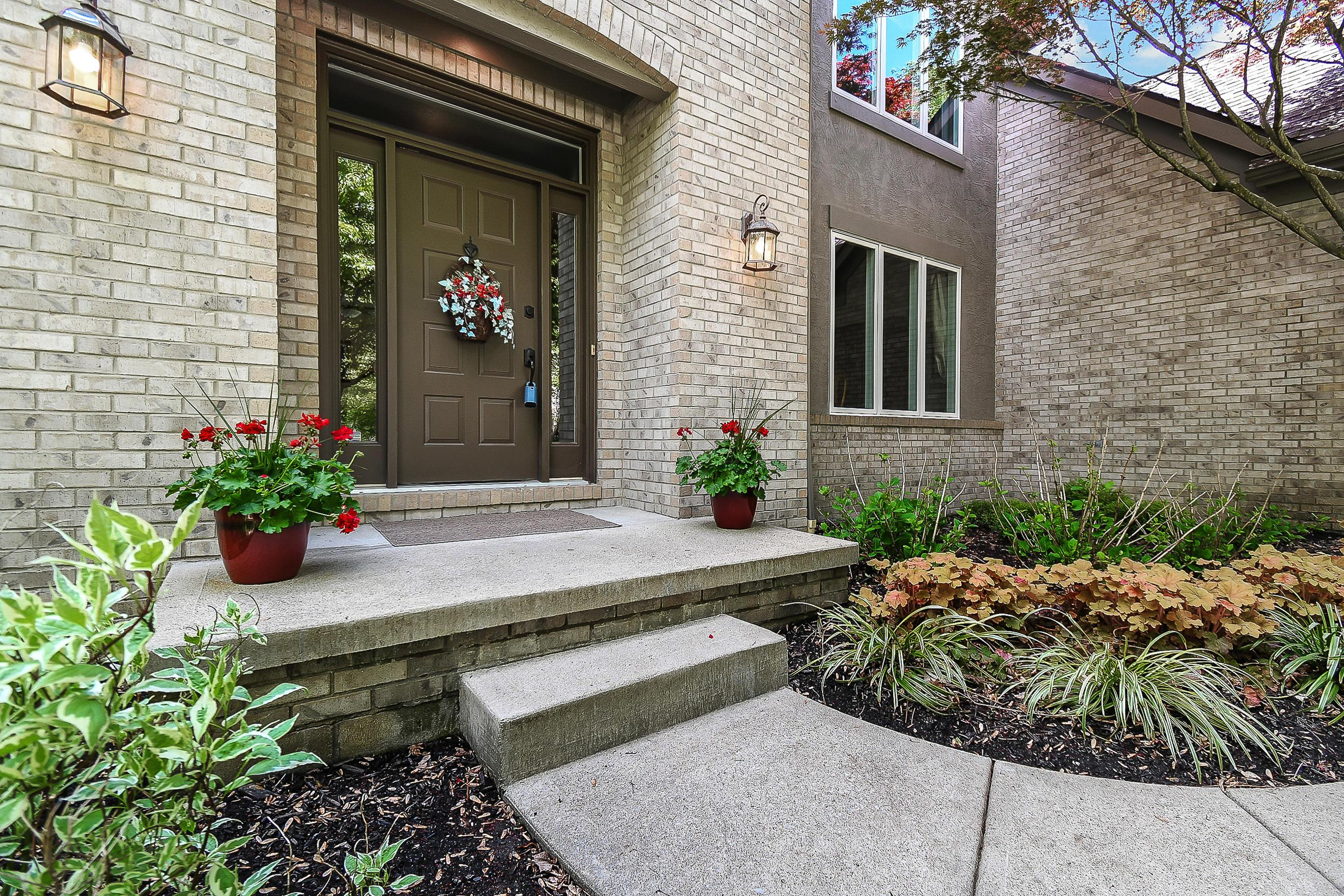 Photo of 3291 Foxcroft Drive, Lewis Center, OH 43035