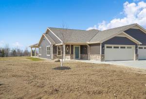 Undefined image of 122 Willows End, Bellefontaine, OH 43311