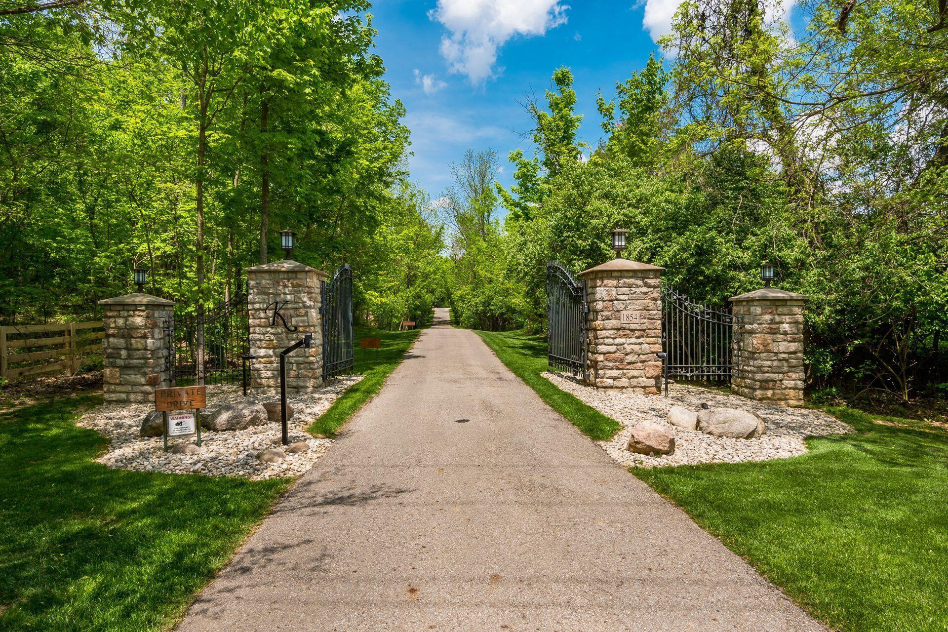 Photo of 1854 Home Road, Delaware, OH 43015