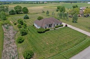 Undefined image of 4513 Meadowgrove Drive, Carroll, OH 43112