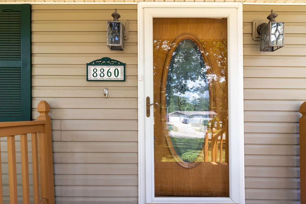 8860BlackrunRoad-exterior-10