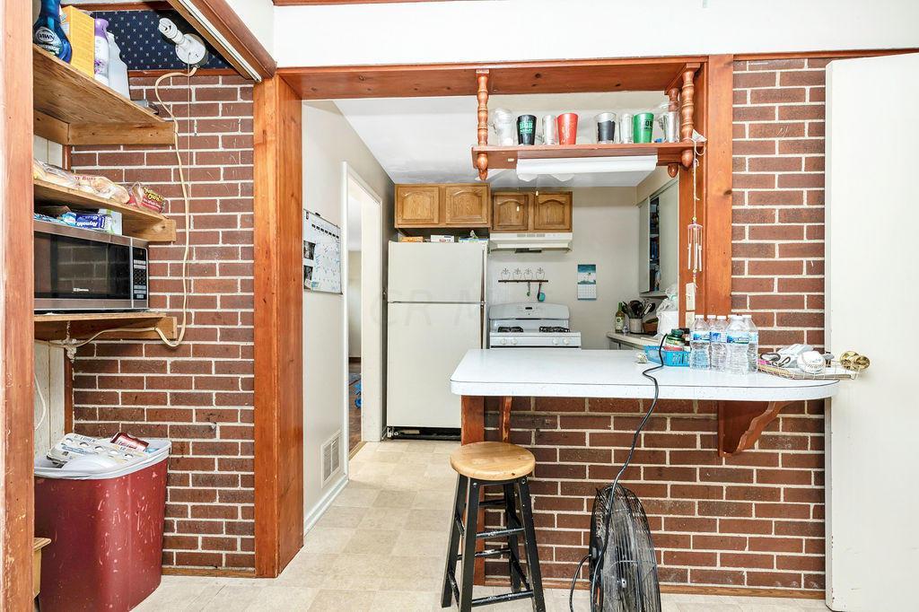9-Kitchen